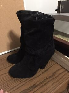 Le Chateau black suede booties size 7