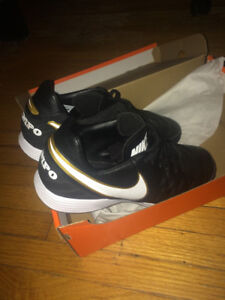 Brand New Nike Turf/indoor Soccer Shoes