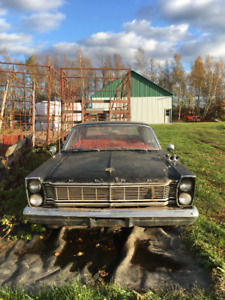 Ford Galaxie 1965 LTD, à restaurer, moteur 352 pas coller