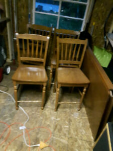 Pub Height Table with 4 Chairs