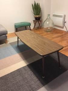 Table à café vintage pour salon