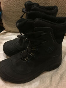 Kids Columbia winter boots