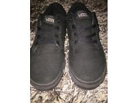 Black size 5 vans