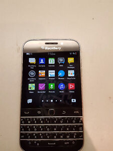 Telus Blackberry Classic,  Excellent Condition