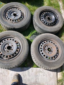 Toyo 205/65R15  4 PNUES MONTER S /
