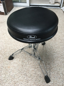 Pearl drum stool in excellent condition - like new