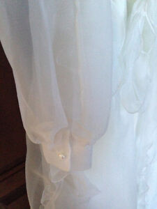 First Communion or Flower Girl Dress w/Floral Crown - Like New! London Ontario image 2