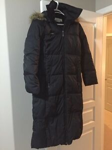 Women's Columbia Winter Jacket w/ fur lined hood
