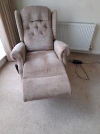 Riser recliner mobility chair