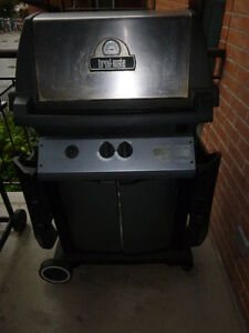 Broil Mate BBQ with propane tank