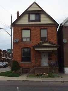 Bright, large 1 BR central Hamilton - showing Sun May 1, 12-2pm