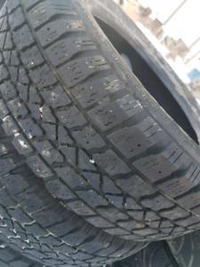 4  195/65R15 all season tire.