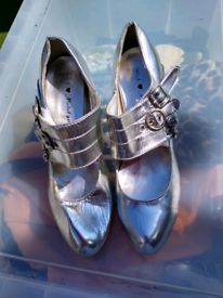 2paurs shoes 5