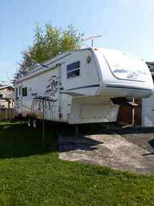 Keyston Cougar 30 foot Fifth Wheel / 5th wheel - Excellent Shape