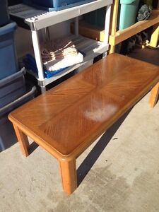 MAPLE COLORED COFFEE TABLE