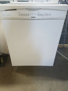 Dishwashers White - DURHAM APPLIANCES LTD. Since 1971