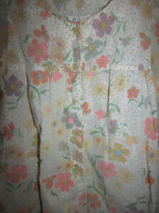 VINTAGE Flocked Floral Lined Long Nightgown Gatineau Ottawa / Gatineau Area image 10