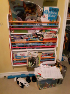 Hanging Walll Child's Bookshelf
