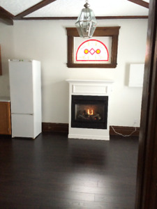 1 BEDROOM AVAILABLE JANUARY 1