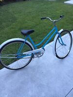 Ladies Vintage Cruiser Bicycle!