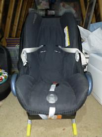 Maxi-cosi easyfix baby car seat