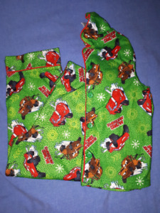 Disney CARS Christmas PJ's, Size 6, EUC