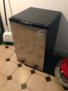 Stainless Steele - igloo mini fridge