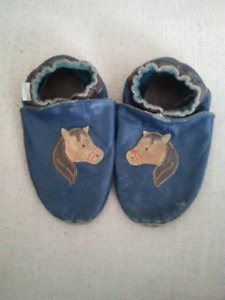 Robeez Shoes size 3-4 years