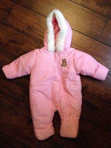 Girl's snowsuit size 3-6 months