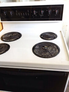 STOVE, EXCELLENT WORKING CONDITION, MUST CLEAR ASAP!