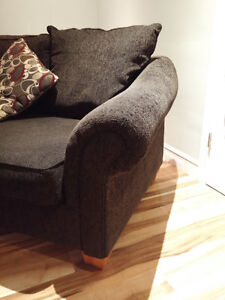 3-seat Couch in excellent condition!-HAS TO GO! Peterborough Peterborough Area image 3