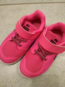 Gently used girls Nike size 10
