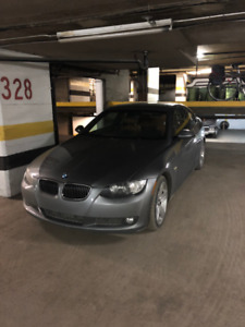 BMW 2009 335xi coupe manuelle Excellente Condition