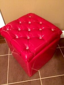 Red faux patent leather crystal tufted stool with wheels Kitchener / Waterloo Kitchener Area image 1