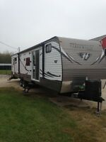 2014 KEYSTONE HIDEOUT 38 BHDS(financing) bunks($1000 off)
