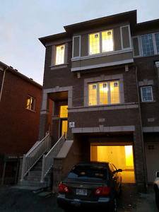 Bright New 4Bed Townhouse - Near Schools