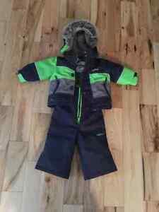 Warmest Oshkosh snowsuit size 12 months