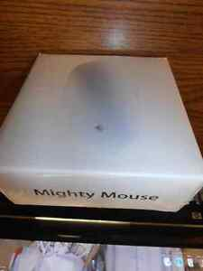 Apple - Wireless Might Mouse