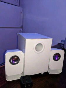 Logitech z213 speakers with subwoofer