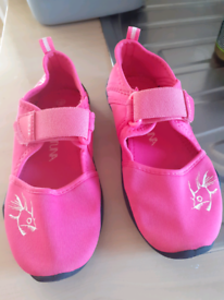 Girl's pink water shoes size 1