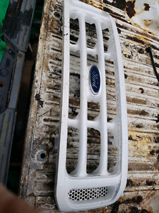 2004 ford f250 or f350 front grille