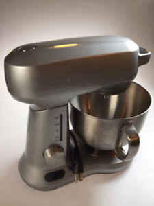 NEVER BEEN USED Breville Scraper/Mixer Pro Stand Mixer