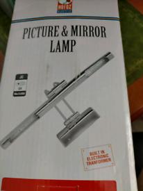 Picture & mirror lamp