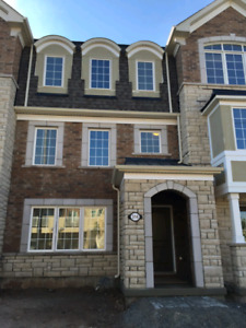 Executive indoor double garage townhouse for rent in Oakville