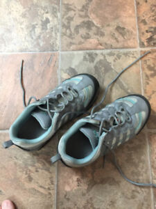 Womens Aggressor Steel Toe Shoes Size 7.5