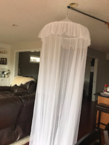 White Tulle Kids Collapsible hoop - bed canopy