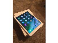 Apple iPad Air , 16gb Wifi + 4G unlocked to all network