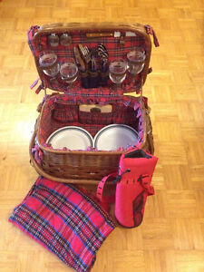 28-Piece Wine & Cheese Picnic Basket for 4
