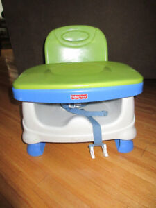 Baby items: gate / training pottie/ portable dining seat