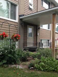 Arnprior gorgeous 2 bd apartment Available October 1